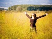 girl-feeling-free
